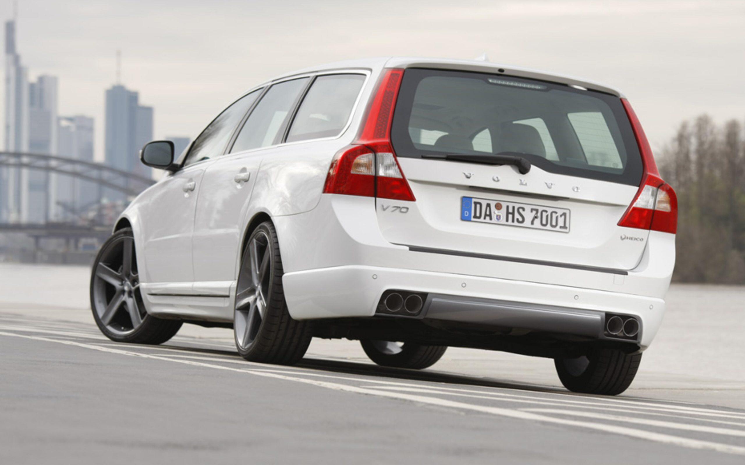 HEICO_SPORTIV_Volvo_V70_135_rear_1_main