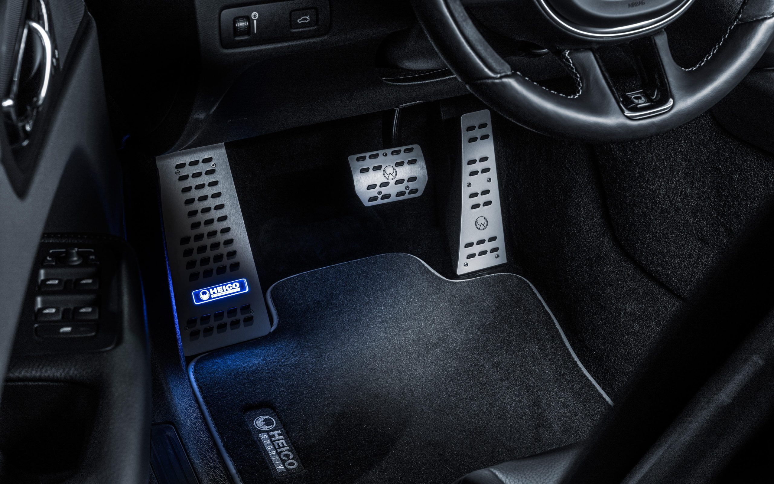 heico-sportiv-volvo-xc60-246-interior-1
