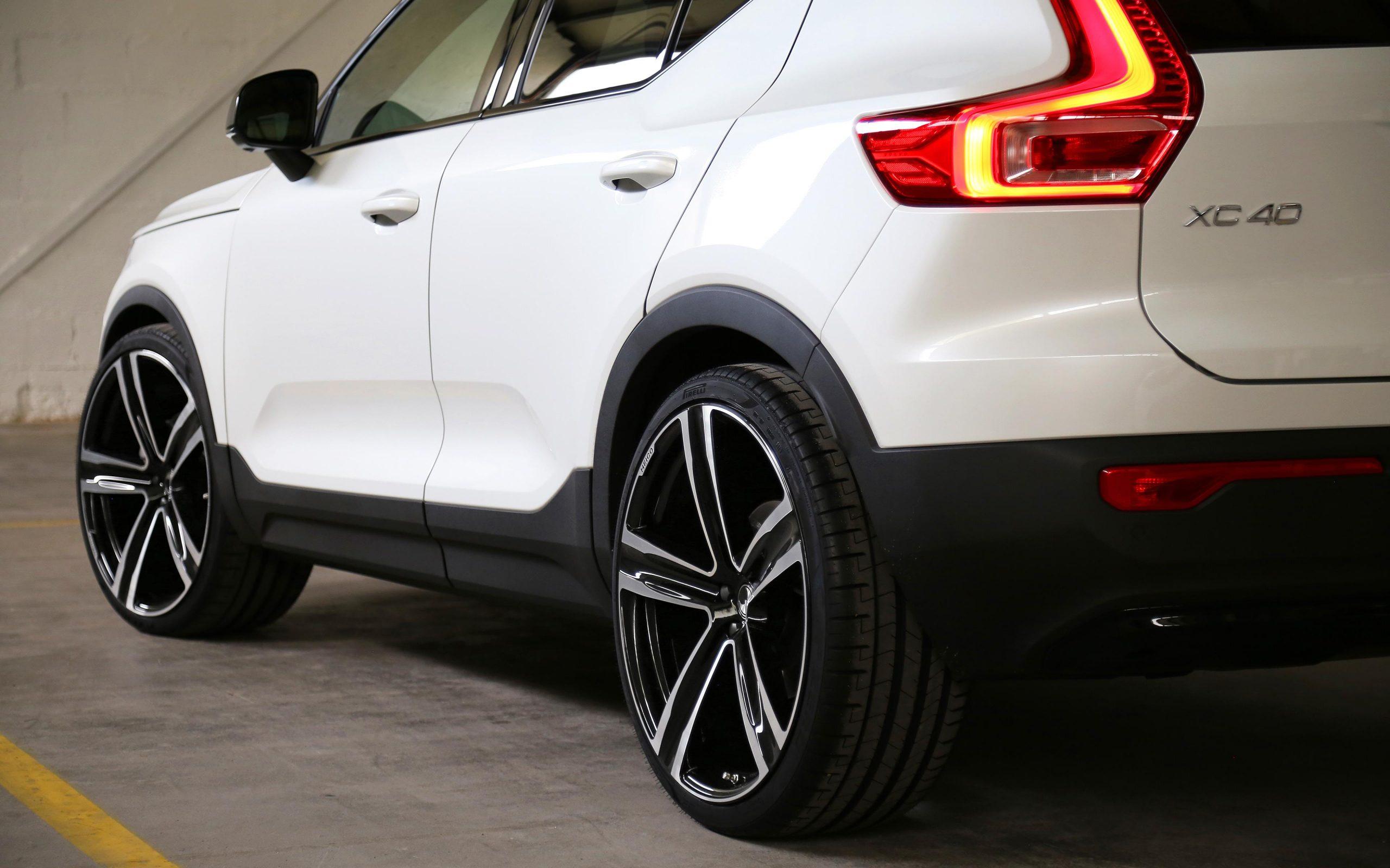 heico-sportiv-xc40-536-volution-v22-rear-3_2